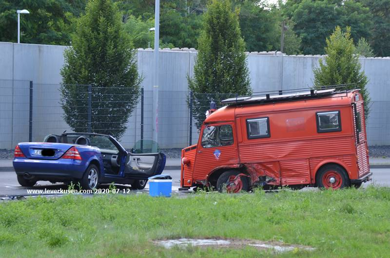 Unfall Leverkusen Schlebusch